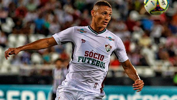 Gerente do Fluminense é aguardado em Roma para negociar Richarlison com a Lazio