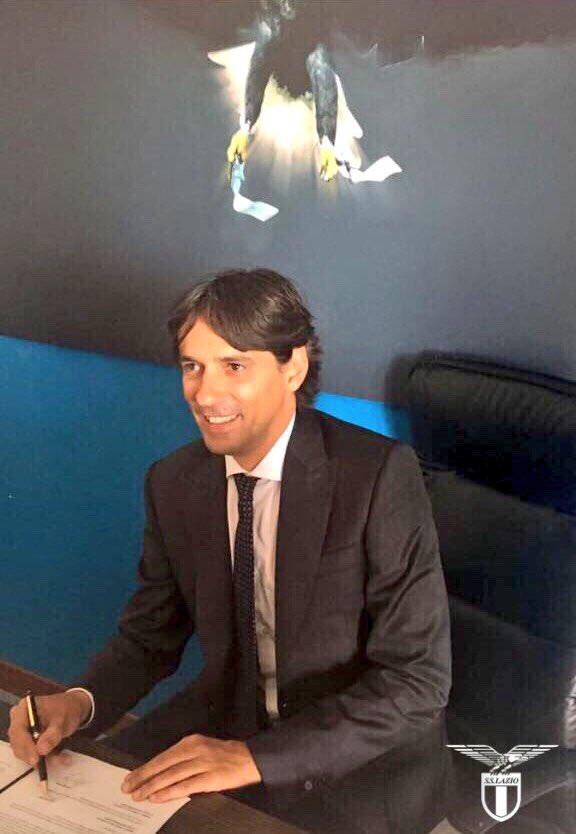 Outrora especulado na Premier League, Simone Inzaghi renova com a Lazio